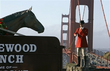 Peter Estabrook plays for Seabiscuit at the Golden Gate